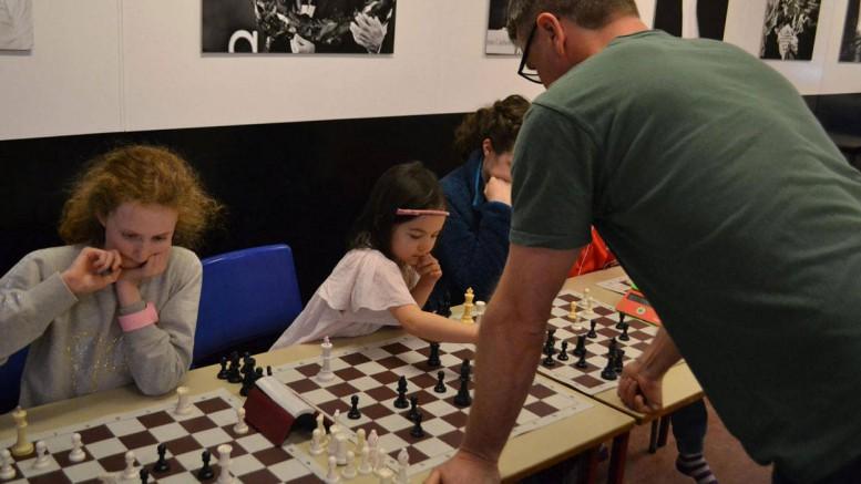 Her taper Simen for 6-årige Lykke-Merlot. Foto: Olga Dolzhikova, Stormester & Stormester