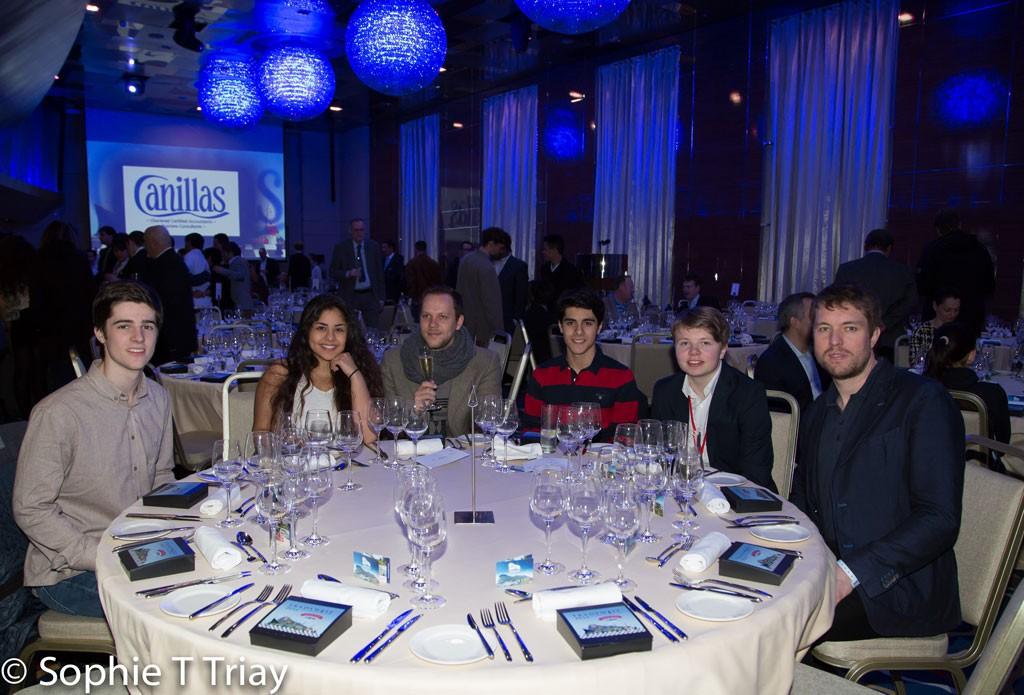 Deler av den norske delegasjonen samlet til middag. Foto: Sophie Triay