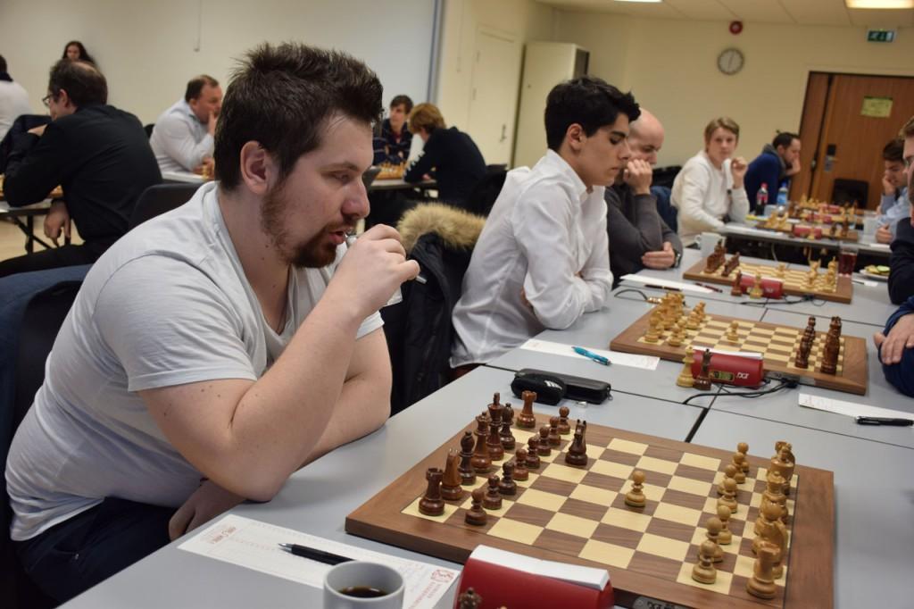 Vålerenga på fredag, her med Borki Predojevic og Aryan Tari på de to øverste bordene. Foto: Tarjei J. Svensen