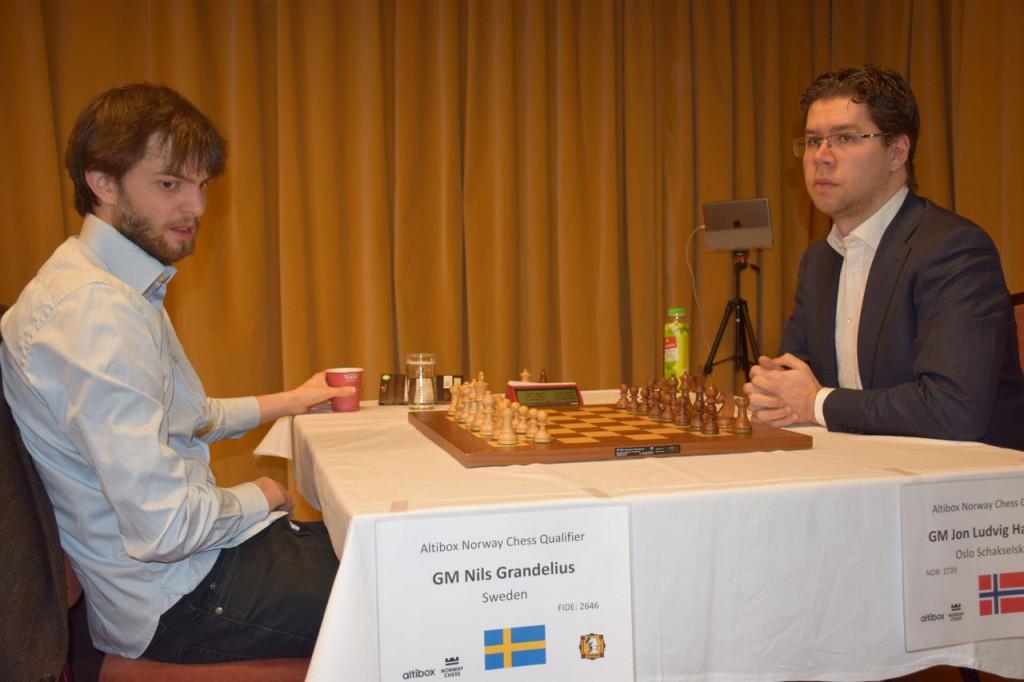 Jon Ludvig tapte også hurtigsjakkpartiet mot Grandelius. Foto: Tarjei J. Svensen