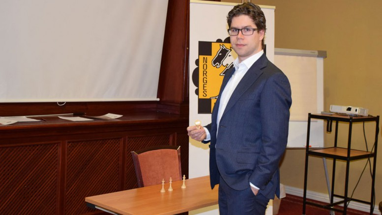 Jon Ludvig Hammer fornøyd med startnummer 2. Foto: Tarjei J. Svensen