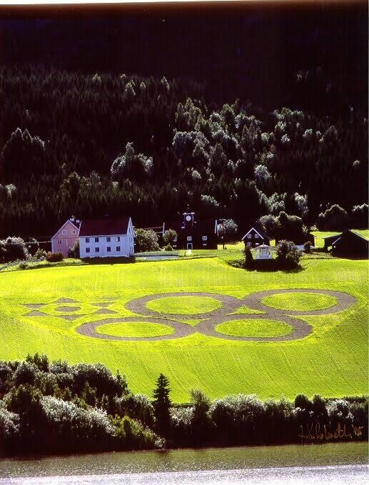 Bjerke Gårdi 1994 med OL-ringene markert.