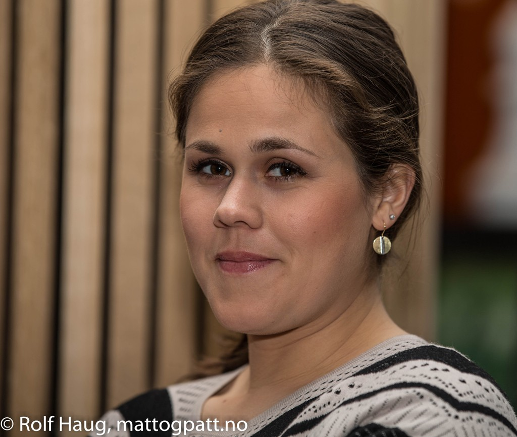 Magnus Carlsen's sister Ellen in Stavanger supporting her brother, and commenting for TV 2. Photo: Rolf Haug