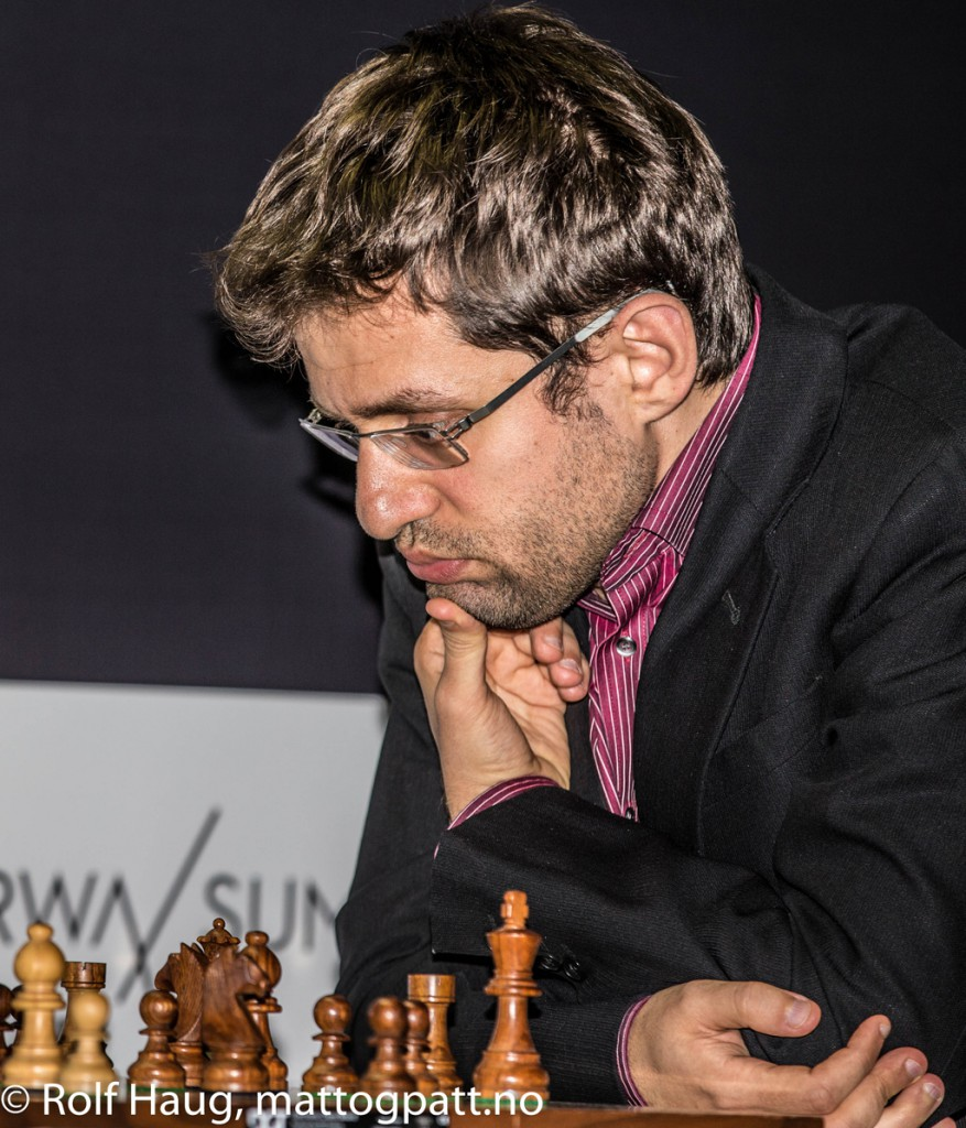 Levon Aronian will hopefully get a boost by getting his fiancé Arianne Caoili to Stavanger on Friday. Photo: Rolf Haug