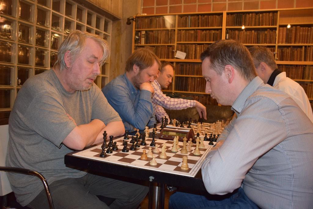 Torstein Bae, her mot Oddvar Voll. Foto: Tarjei J. Svensen