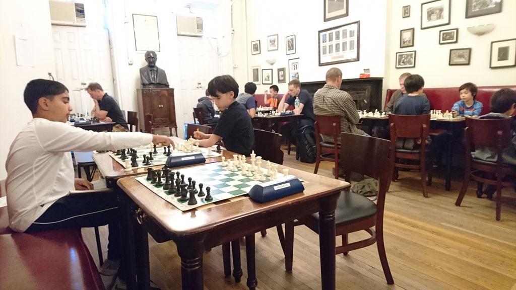SJAKKTURNERING: Daglig skjer det noe i NYC og sjakklubben Marshall.