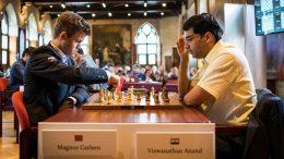 Magnus Carlsen presset Viswanathan Anand i senk. Som så mange ganger før. Foto: Lennart Ootes/Grand Chess Tour