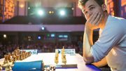 Carlsen henger med. Foto: Grand Chess Tour