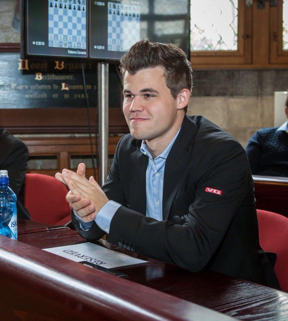 Magnus Carlsen i ledelsen før 18 partier med lynsjakk. Foto: Lennart Ootes/Grand Chess Tour