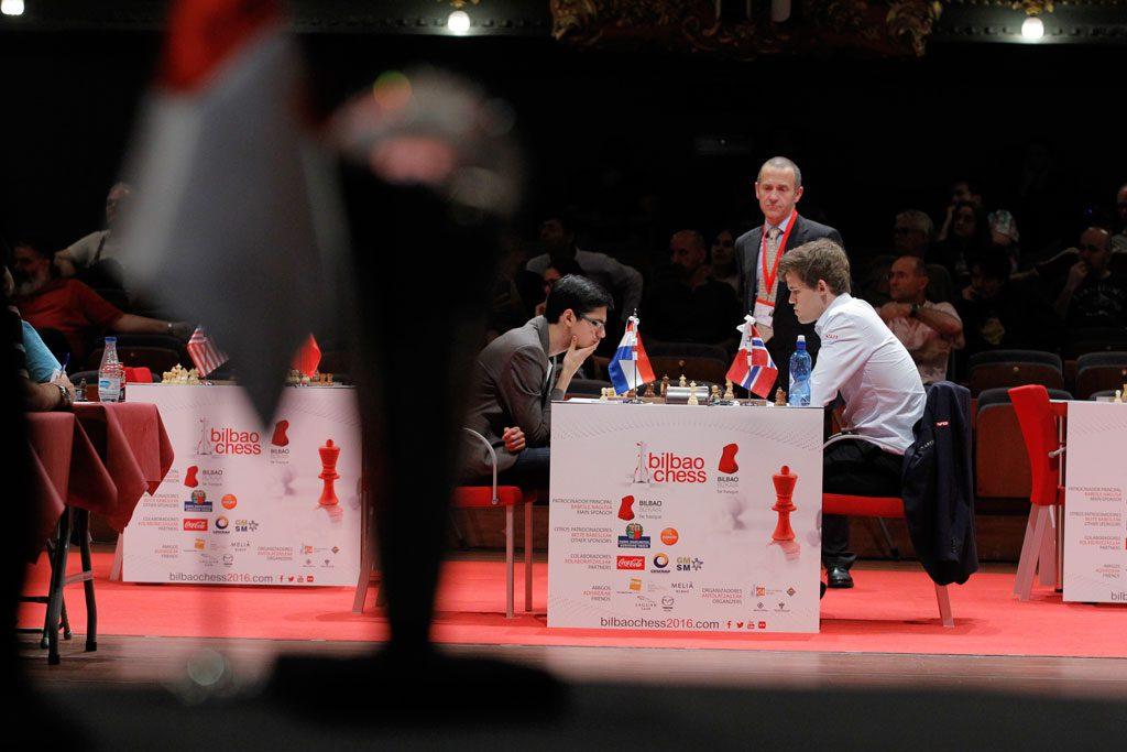 Giri ble satt på flere prøver under partiet. Og kollapset til slutt. Foto: Bilbao Chess