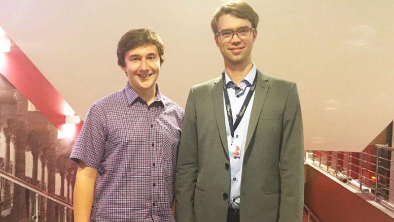 Sergey Karjakin og regissør Benjamin Ree. Foto: Moscow International Film Festival