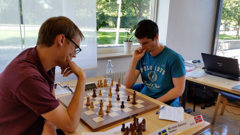 Salomon i møtet med Erik Blomqvist. Foto: Sören Svensson/ssmanhem.se