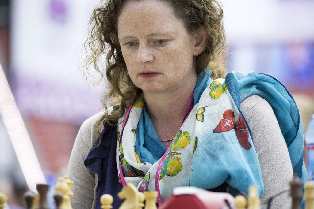 Sheila Barth Sahl måtte gi tapt i dag, men reddet et viktig halvpoeng i partiet mot Irina Krush i går. Foto: Maria Emelianova