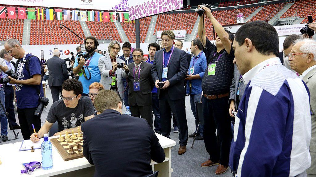 President i Norges Sjakkforbund Morten L. Madsen på plass i Baku, der han følger det norske laget. Foto: Eteri Kubalshvili