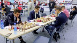 Lagkaptein og toppsjakksjef Jonathan Tisdall under dagens match mot Romania. Foto: Paul Truong/Baku Chess Olympiad