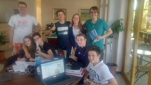 NTG i Bulgaria, med lærer Bjørn Revil til venstre. Foto: Simen Agdestein