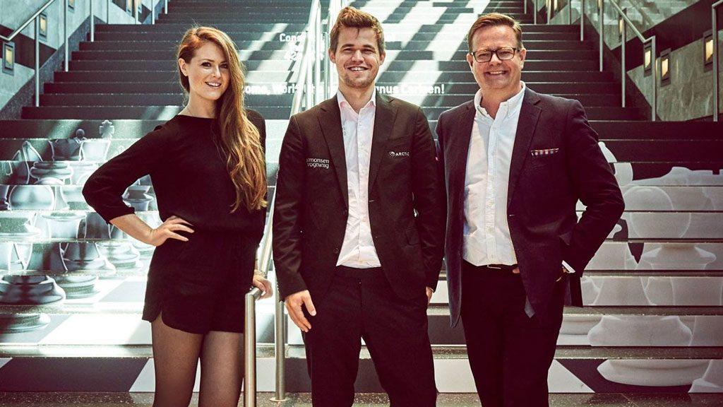 Kate Murphy, Magnus Carlsen og Arne Horvei. Foto: Play Magnus