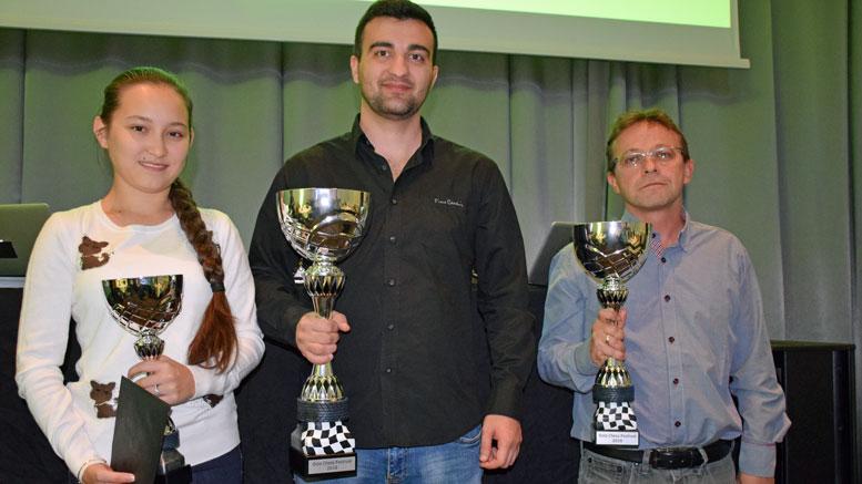 Topp 3 i Oslo Chess Festival: Fra venstre: Zhansaya Abdumalik, Igor Kovalenko og Boris Chatalbashev. Foto: Tarjei J. Svensen