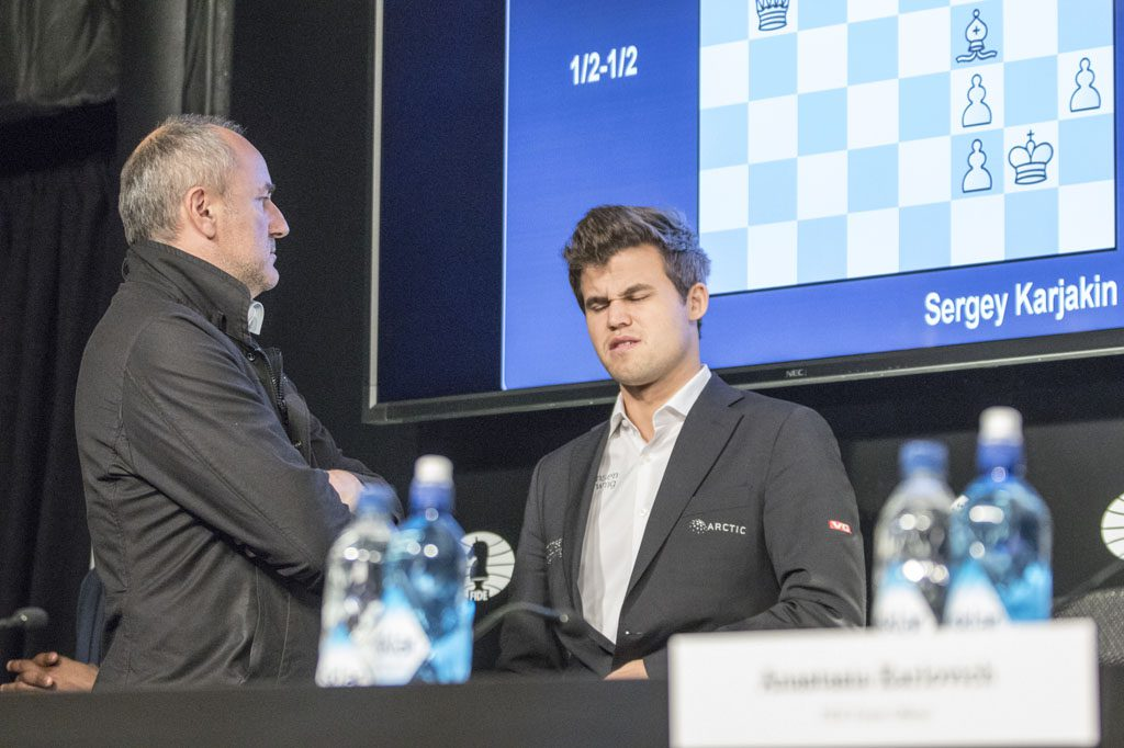 Carlsen did not talk to the Norwegian press, but went straight to his manager Espen Agdestein while Karjakin was in the mixed zone. Photo: Maria Emelianova