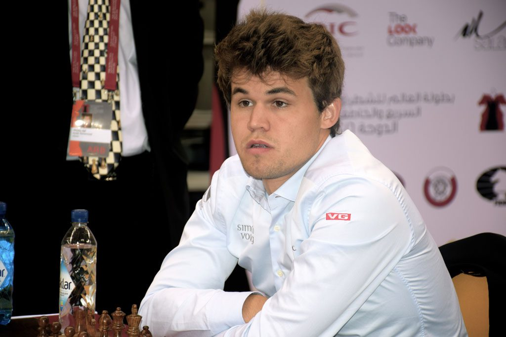 Magnus Carlsens VM-tittel kan ha røket i 11. runde. Foto: Yerazik Khachatourian