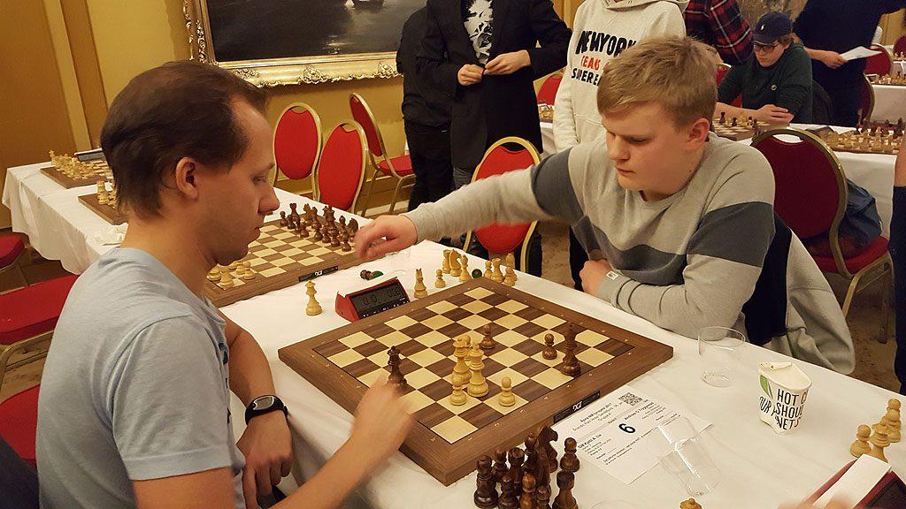 Kjetil A. Lie vant oppgjøret mot unge, lovende Andreas Tryggestad. Foto: Tarjei J. Svensen