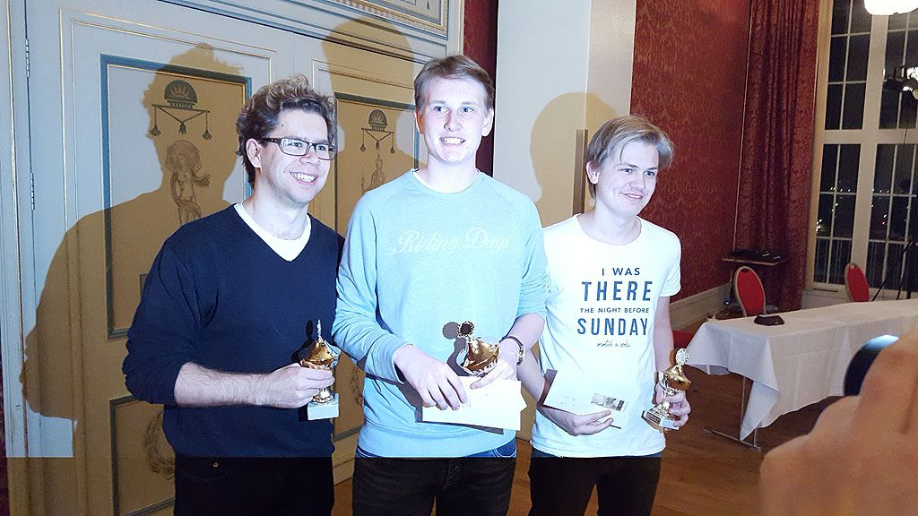 Hammer, Christiansen og Hauge får premiene. Foto: Tarjei J. Svensen