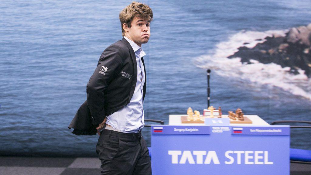 Magnus Carlsen etter å ha slått Pavel Eljanov. Håpet om en sjette seier i Wijk aan Zee lever. Foto: Maria Emelianova
