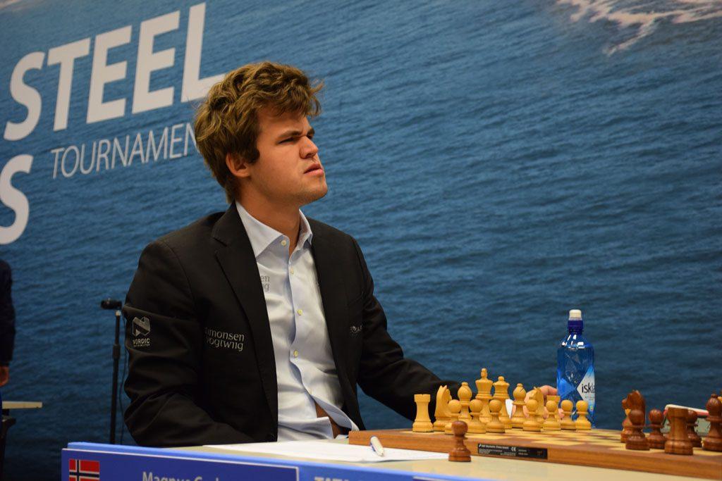Adhibans åpningsvalg fikk Carlsen til å undre seg. Foto: Tarjei J. Svensen