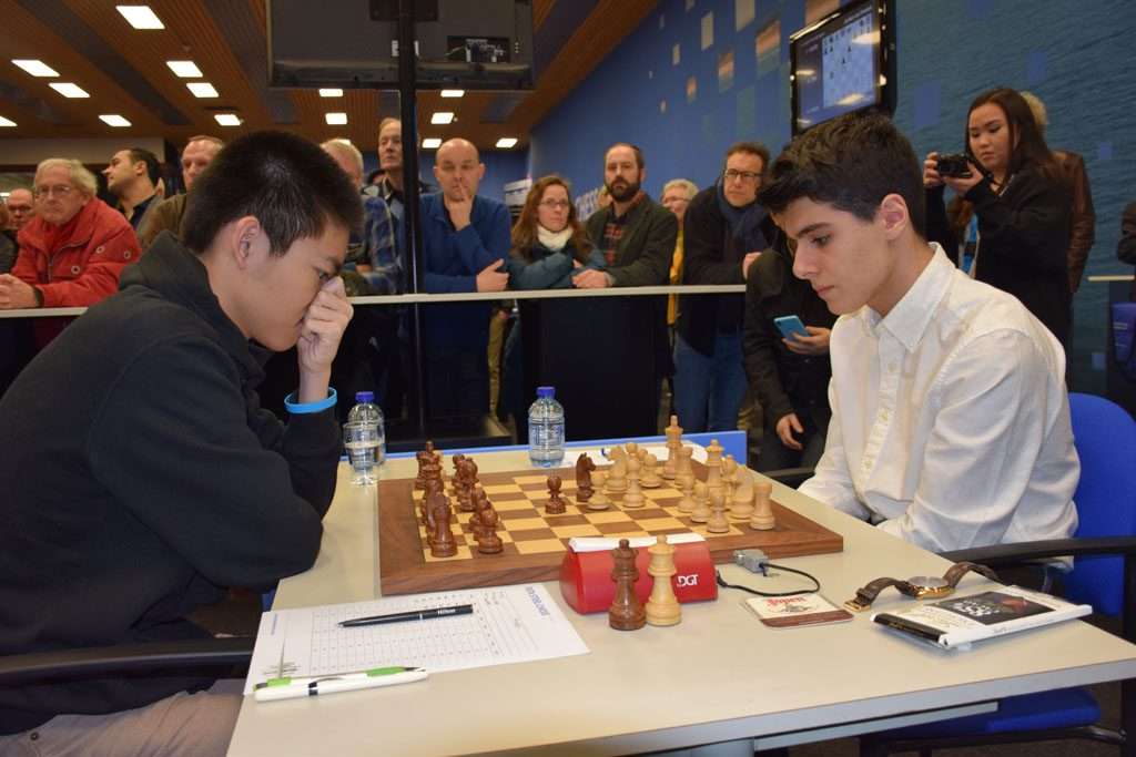 Tari med en imponerende seier over Jeffrey Xiong. Foto: Tarjei J. Svensen
