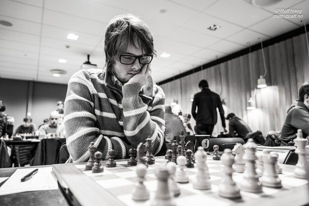 Frode Urkedal står med 3,5 av 4 poeng i årets Eliteserie-sesong. Foto: Rolf Haug/mattogpatt.no