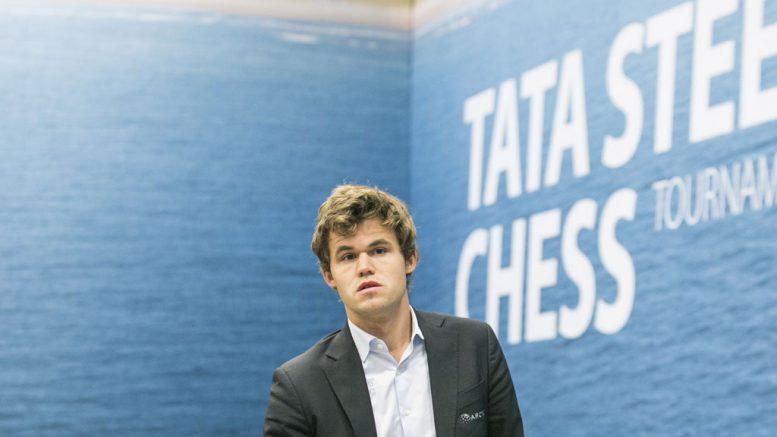 Magnus Carlsen har ikke fått spillet til å sitte i Wijk aan Zee og tapte for Richard Rapport. Foto: Maria Emelianova