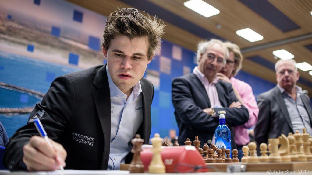 Magnus Carlsen med 3,5 av 5 poeng så langt. Foto: Alina l'Ami/Tata Steel Chess