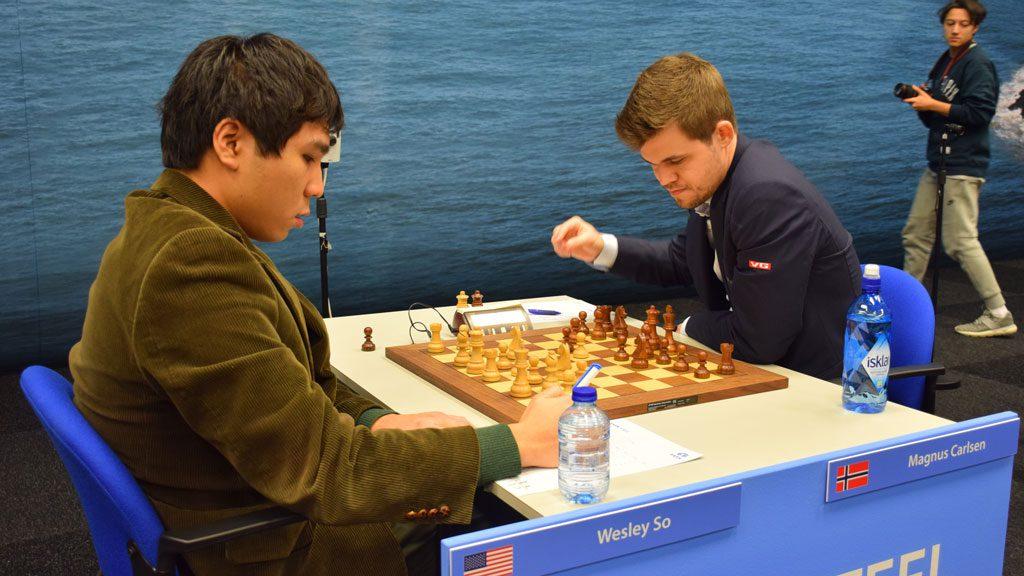 Wesley So med en kjapp remis mot Magnus Carlsen i Wijk aan Zee i 2016. Foto: Yerazik Khachatourian