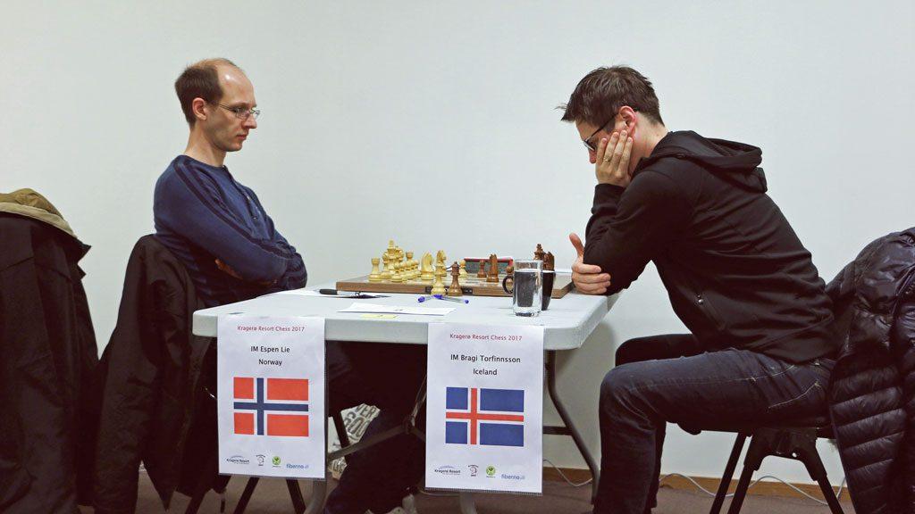 Espen Lie i møtet med Bragi Thorfinsson. Foto: Tanja Kveim