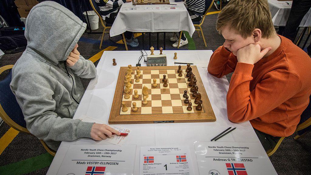 Fra det helnorske oppgjøret mellom Mads Vestby-Ellingsen og Andreas Tryggestad (remis. Foto: Kristoffer Gressli/USF