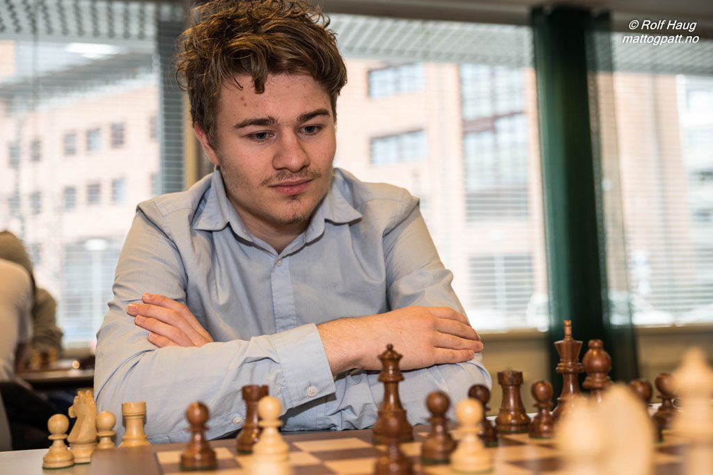 Sebastian Mihajlov (17) fra Oslo Schakselskap. Foto: Rolf Haug/mattogpatt.no