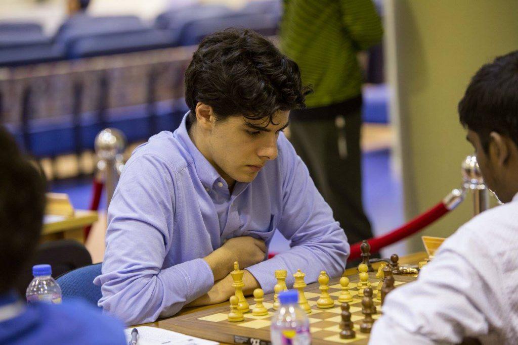 KLATRER: Aryan Tari på vei oppover på resultatlisten. Foto: Dubai Chess Club