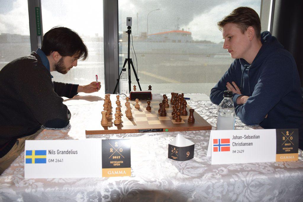 DUELL: Nils Grandelius vant det skandinaviske oppgjøret mot Johan-Sebastian Christiansen. Foto: Tarjei J. Svensen