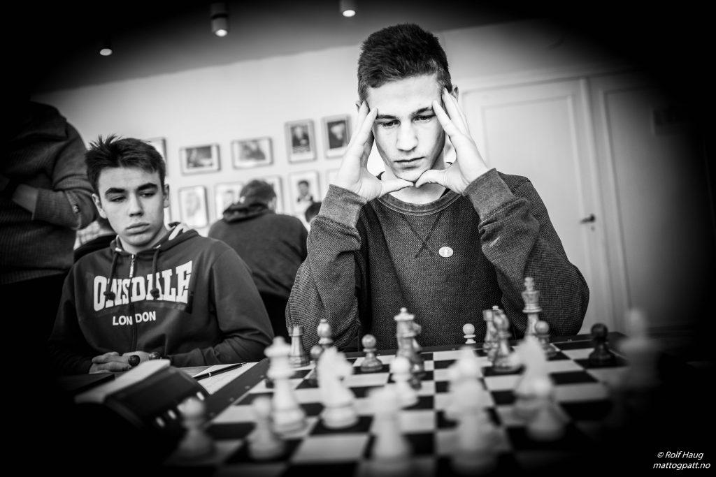 Førstebordsspiller Erlend Mikalsen (23). Foto: Rolf Haug/mattogpatt.no