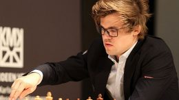 ENDELIG: Magnus Carlsen tok sin første seier i Grenke Chess Classic i femte runde mot Georg Meier. Foto: Georgios Souleidis