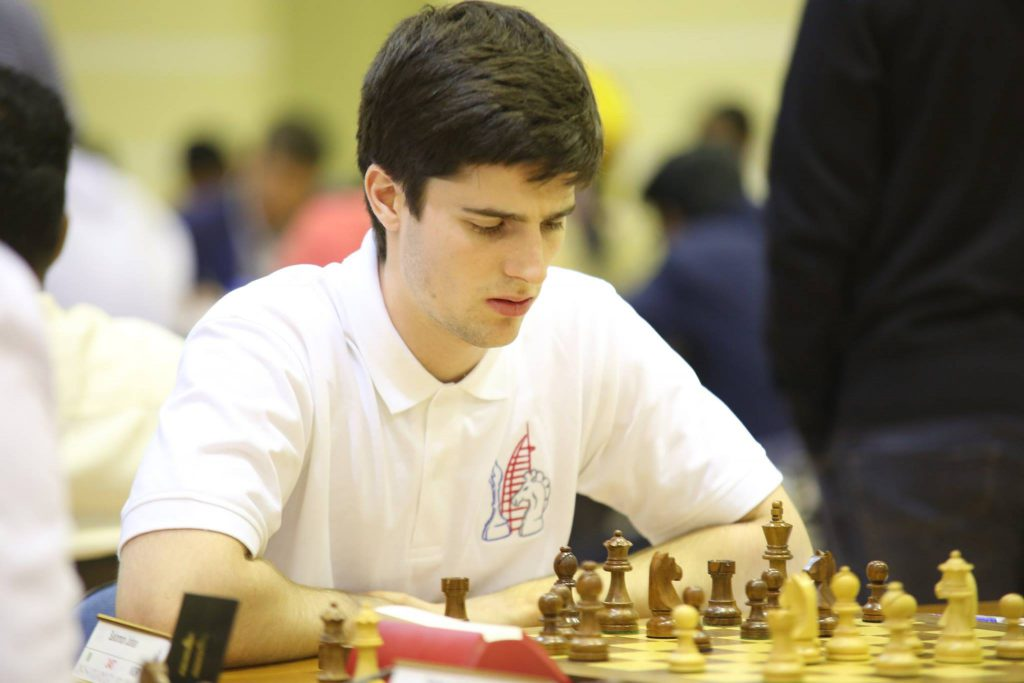 GM: Johan Salomon (19) er ny norsk stormester i sjakk. Foto: Dubai Chess Club