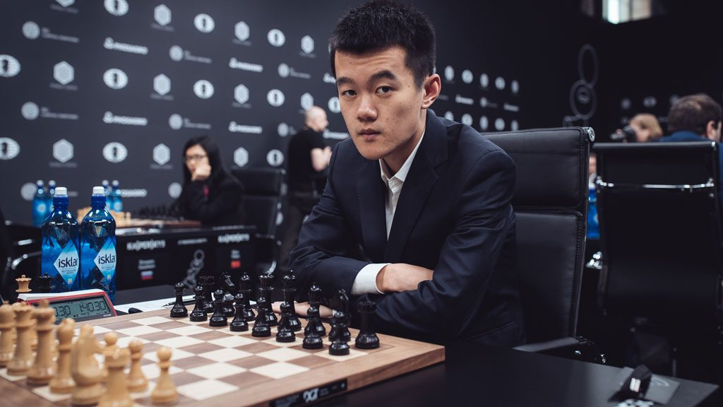 TRIUMF: Ding Liren er inne blant verdens ti beste spillere etter seieren i Moskva. Foto: Max Avdeev/World Chess
