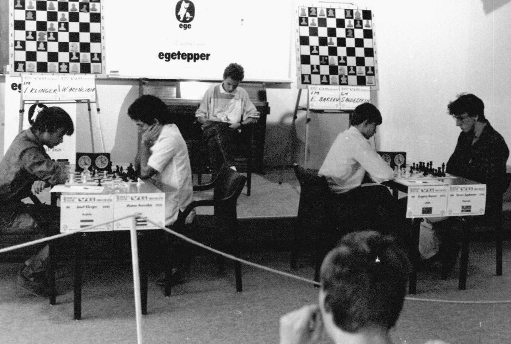 NESTEN: Simen Agdestein måtte se VM-gullet på Gausdal i 1986 glippe til Walter Arencibia, tross seier over Evgeny Bareev. Foto: Øystein Brekke