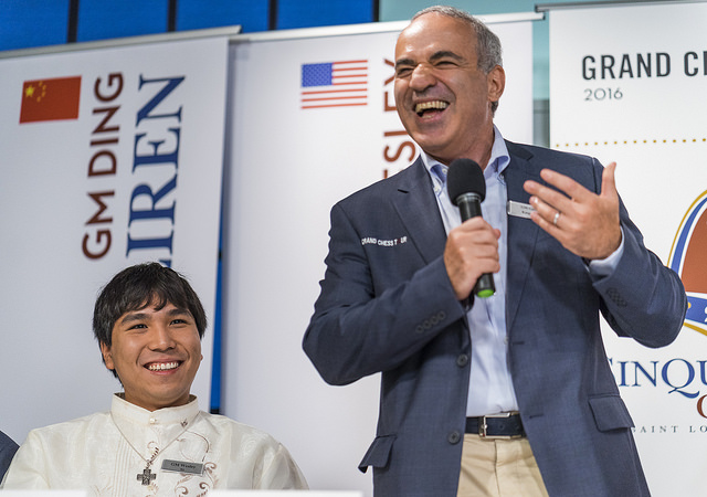 TO VERDENSMESTERE? Wesley So kan utfordre Magnus Carlsen, mener sjakklegenden Garry Kasparov. Foto: Austin Fuller/Grand Chess Tour