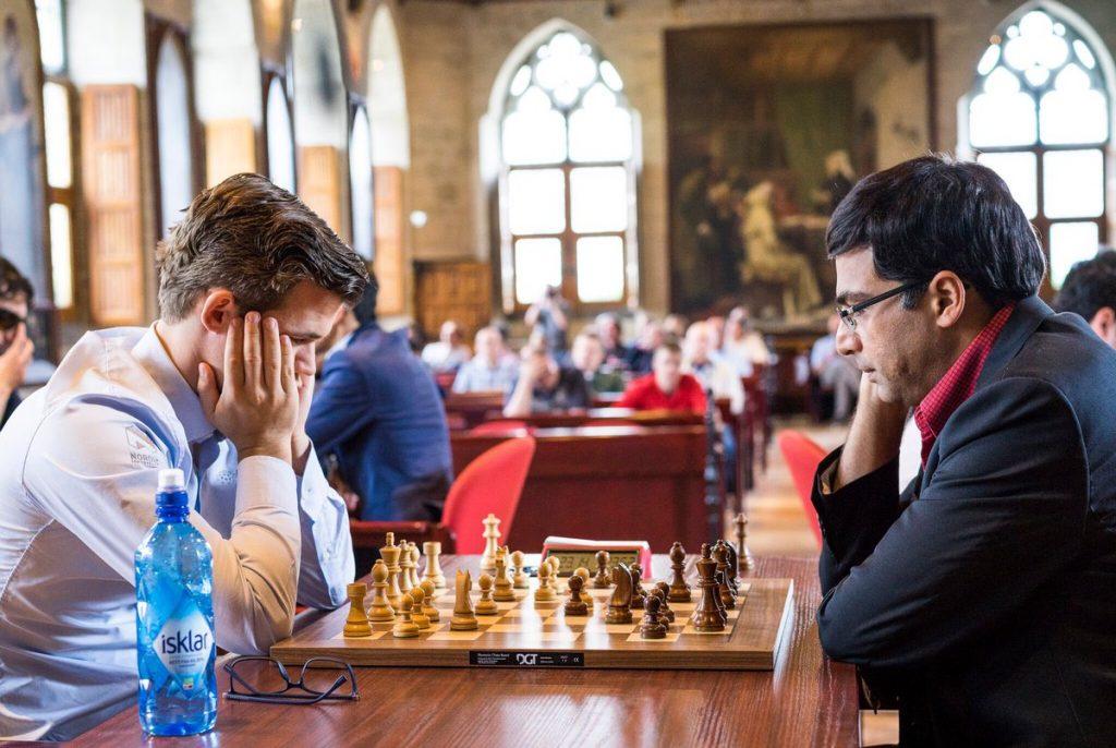 REMIS: Oppgjøret mot Viswanathan Anand var et parti Magnus Carlsen burde vunnet. Foto: Lennart Ootes