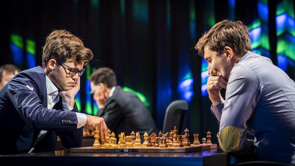 REMIS: Magnus Carlsen måtte nøye seg med remis mot Sergey Karjakin tross en vunnet stilling. Foto: Lennart Ootes