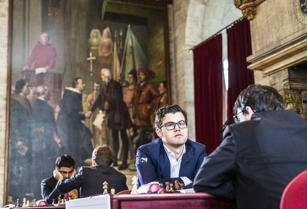 Carlsen fra oppgjøret mot Vachier-Lagrave i hurtigsjakken i Leuven. Foto: Lennart Ootes