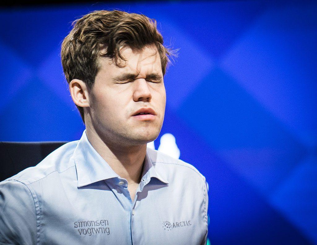 KOLLAPS: Plutselig begynte Magnus Carlsen å tape partier. Det kunne gått veldig galt, men det holdt så vidt. Foto: Lennart Ootes