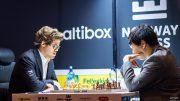 ÅPNINGSREMIS: Magnus Carlsen og Wesley So i 1. runde av Norway Chess. Foto: Lennart Ootes