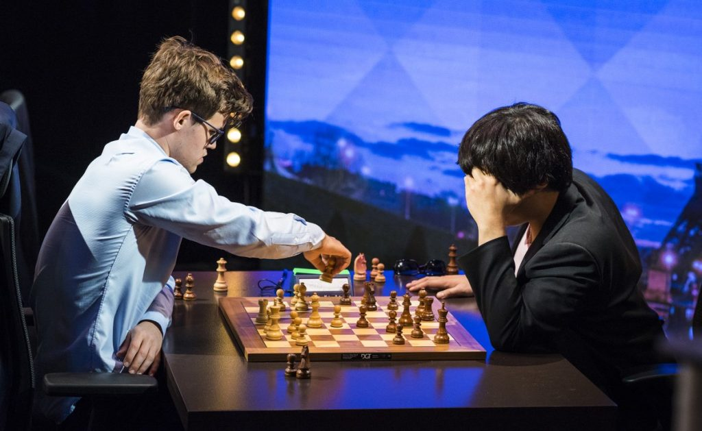 AVGJØRENDE: Magnus Carlsen vant det siste partiet mot Wesley So. Det ble svært avgjørende, for verdensmesteren sikret med det omspill. Foto: Lennart Ootes
